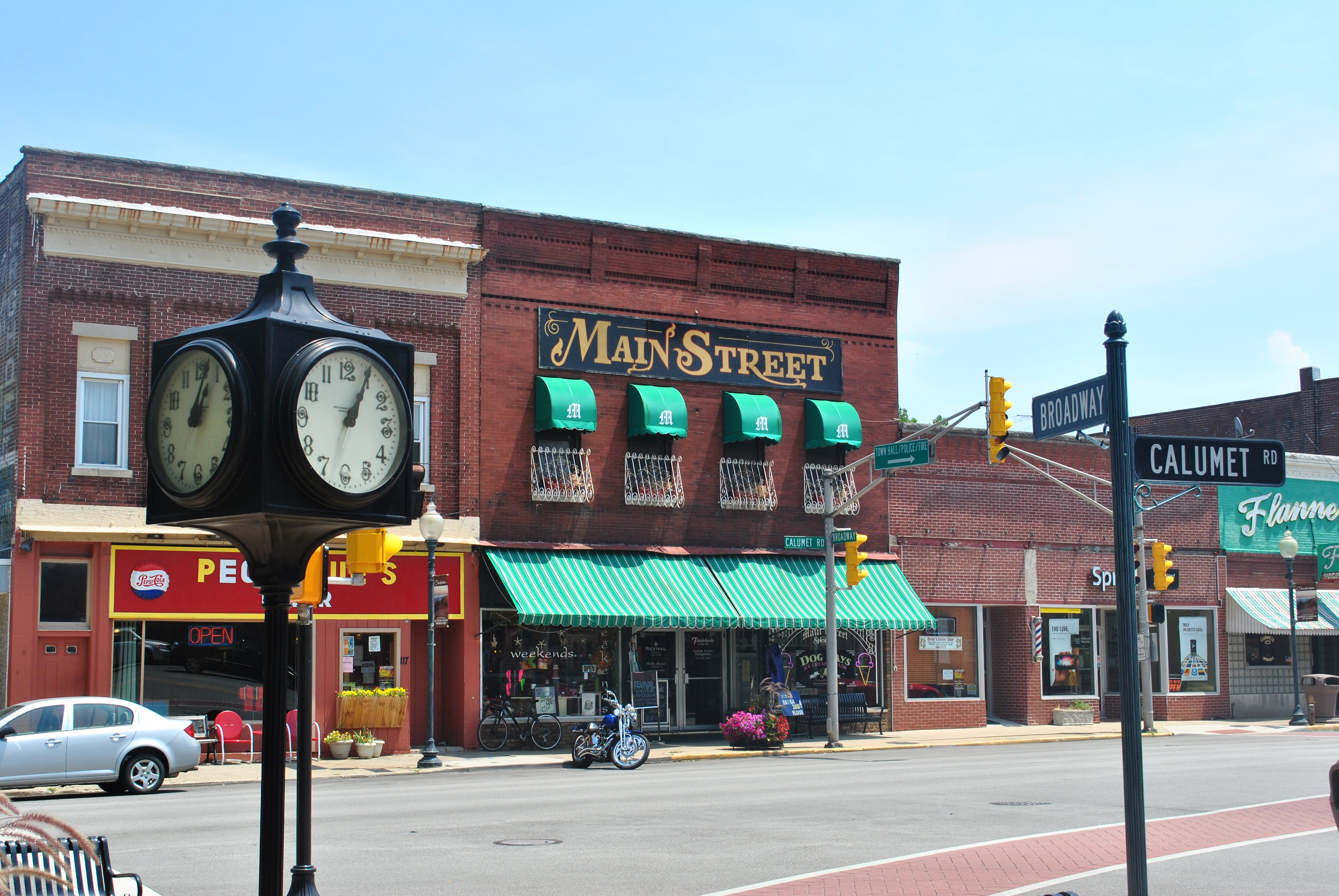 Main_Street_Bldg_Chesterton_IN_2012